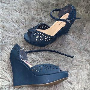 Comfy wedge heel.